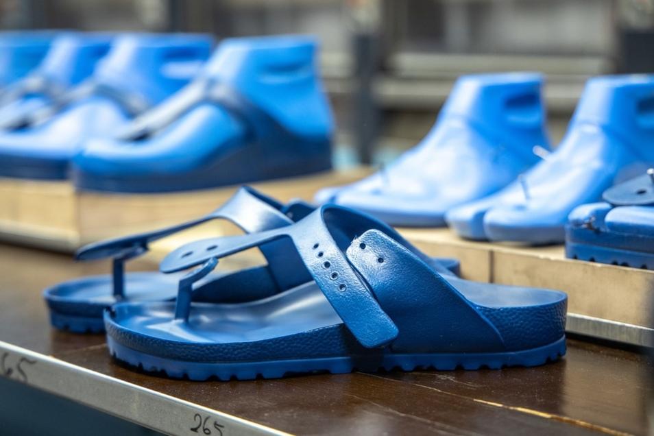 """So sehen die Schuhe aus, wenn sie fertig """"gebacken"""" sind."""