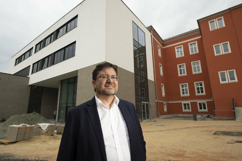 Sanierte Pestalozzi-Oberschule, Architekt Andreas Mohring: moderne Bildungsstätte für 420 Schüler.