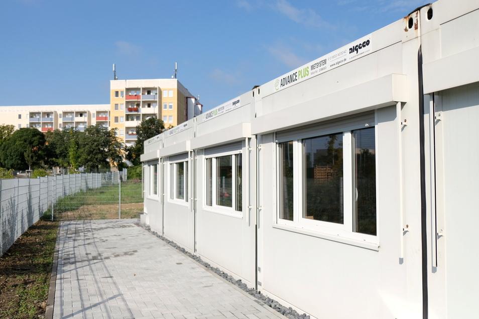 Bis zu den Weihnachtsferien sind die Erst- und Zweitklässler der Questenbergschule in den Containern neben der Arita-Grundschule untergebracht.