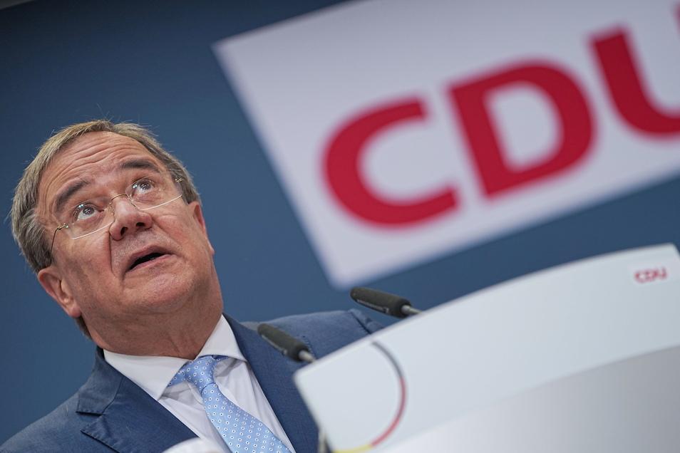 Der Kreisverband der CDU in Mittelsachsen fordert den Rücktritt von CDU-Kanzlerkandidat Armin Laschet. Das gab die Partei am Donnerstag bekannt.