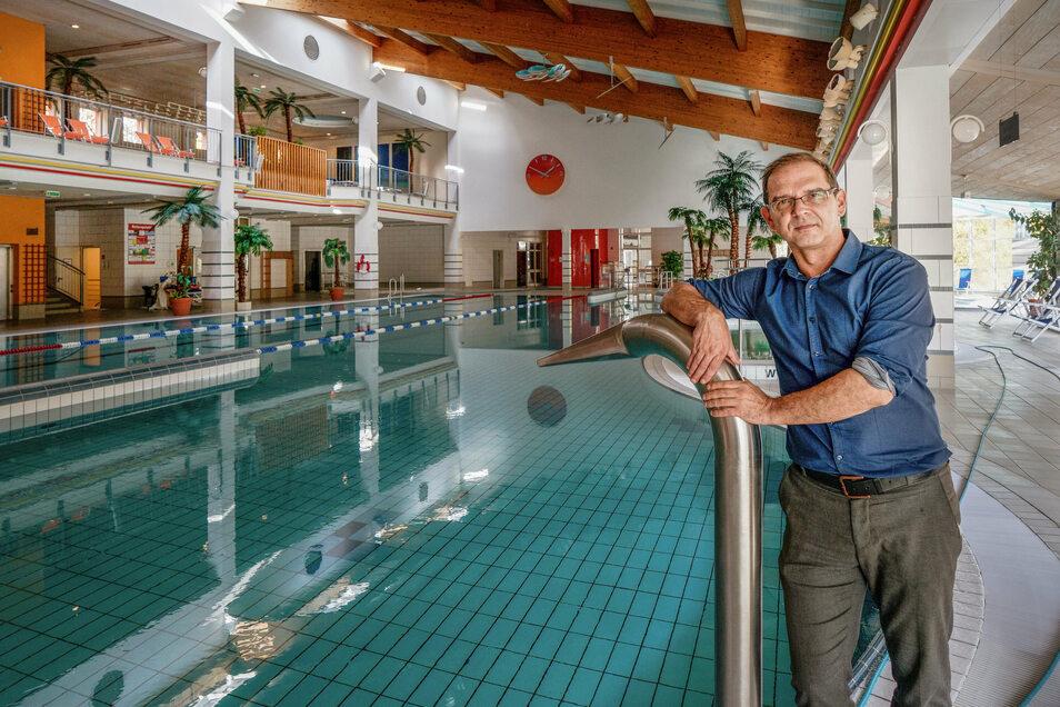In der Körse-Therme in Kirschau ist alles für die Wiedereröffnung vorbereitet. Wegen der neuen Corona-Schutzregeln wird daraus jedoch nichts, bedauert Zweckverbandsvorsitzender Sven Gabriel.