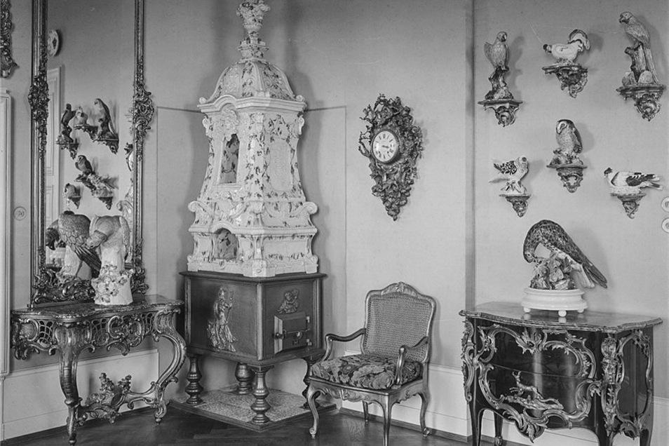 Diese Aufnahme, die vor 1945 entstanden ist, zeigt das Zimmer König Augusts III. im Porzellan-Quartier.