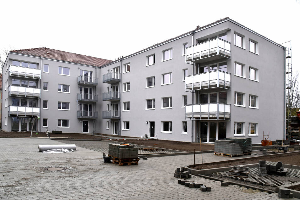 An der Ulmenstraße in Leuben ist das erste Wohnhaus der WiD fast fertig. Die 22 Wohnungen werden an Geringverdiener vermietet, die allerdings einen Wohnberechtigungsschein brauchen.