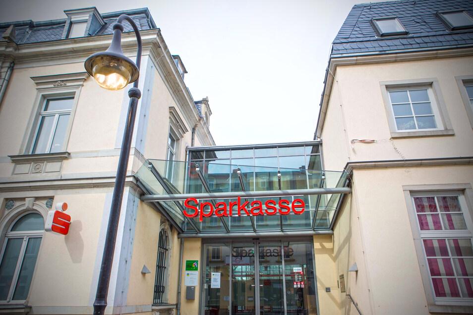 Die Geschäftsstelle der Sparkasse Meißen an der Riesaer Hauptstraße.