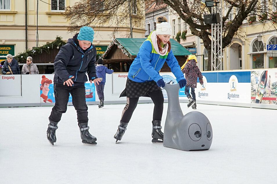 Die Eisbahn wird es in diesem Jahr während der Adventszeit in Bautzen nicht geben. Den Betreibern ist das wirtschaftliche Risiko in Zeiten von Corona zu groß.