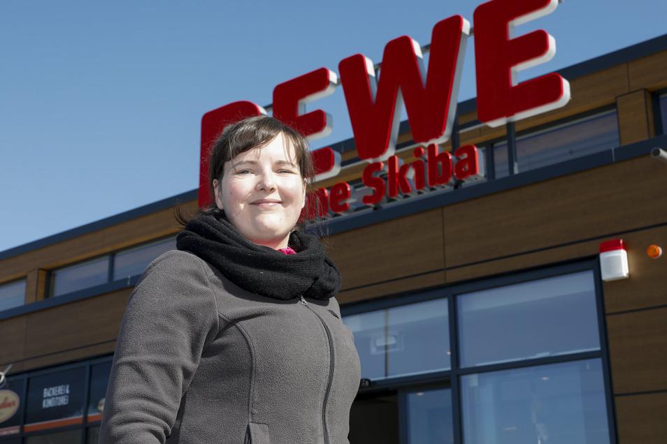 Anne Skiba eröffnet am 1. April um 17 Uhr den neuen Rewe in Ebersbach.