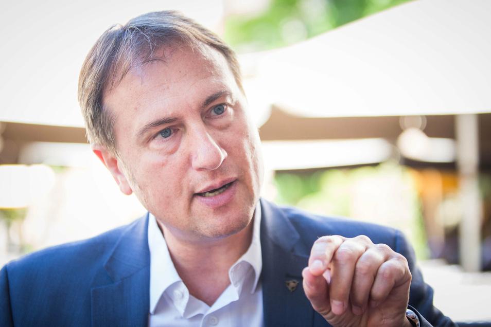 Dresdens Freie-Wähler-Chef Steffen Große sagt im SZ-Interview, die Debatte um Rechte in seiner Wählervereinigung schade ihr.