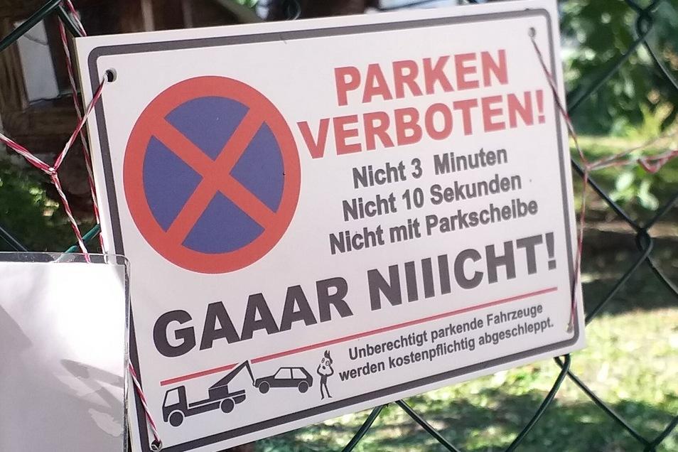 Dieses Schild hat Diana Noack an ihrem Stellplatz zusätzlich angebracht.
