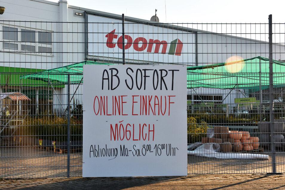 Bei Toom Hoyerswerda in Sachsen 19 Kilometer entfernt ist der Einkauf für Private nur online/telefonisch möglich. Das kann man nur schwer erklären …