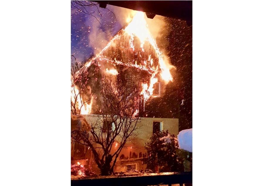 Das Haus brannte lichterloh. Foto: privat