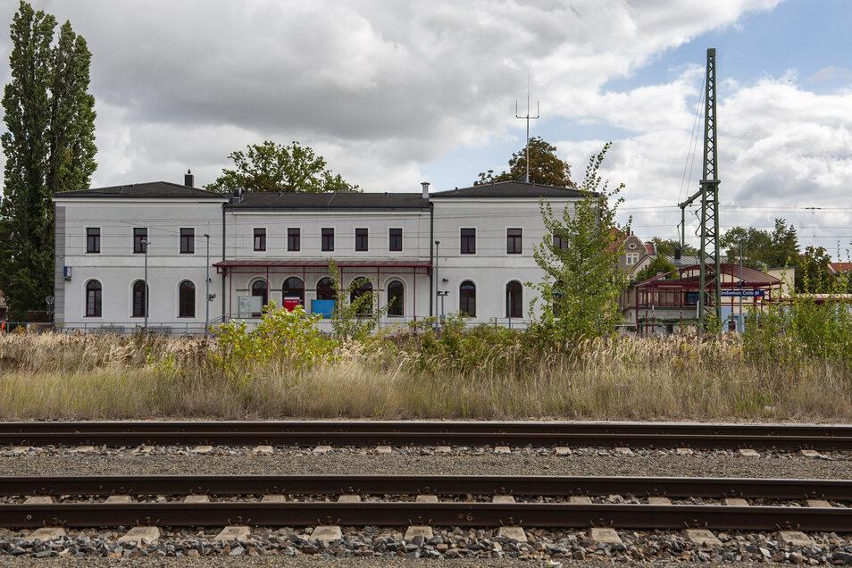 Wer vom Cottbusser Bahnhof in Großenhain in die Ferne reisen will, braucht bis zum nächsten Fernzug fast 40 Minuten.