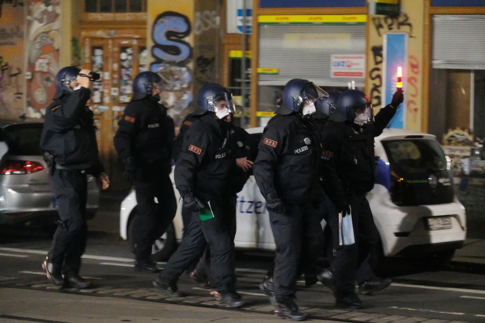 """Am 13. Dezember gerieten Polizei und Randalierer beim """"ACAB-Day"""" aneinander"""