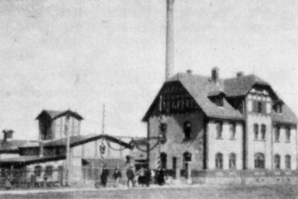 Die Architektur des beginnenden 20. Jahrhunderts wurde bewahrt, wie das historische Foto (kl. Bild) belegt. F.: