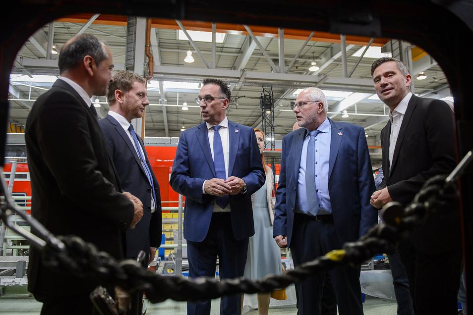 Bei der Jubiläumsveranstaltung zu 170 Jahren Waggonbau Görlitz sicherte Bombardier-Chef Michael Fohrer zu, dass der Standort Görlitz bleibt.