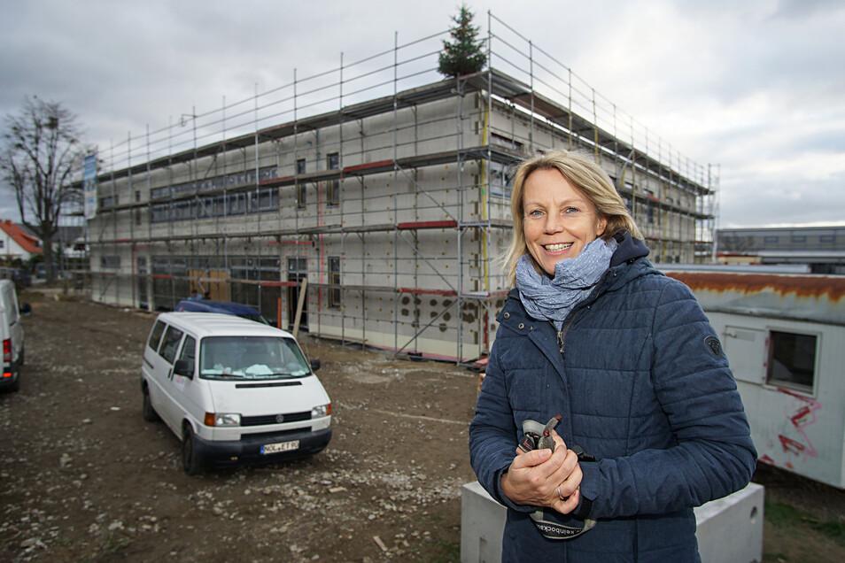 Manuela Ertel ist seit 2013 die Schulleiterin der Freien Mittelschule Weißenberg. Am Freitag wurde am Schulneubau Richtfest gefeiert. Nun kann es mit dem Innenausbau weitergehen.