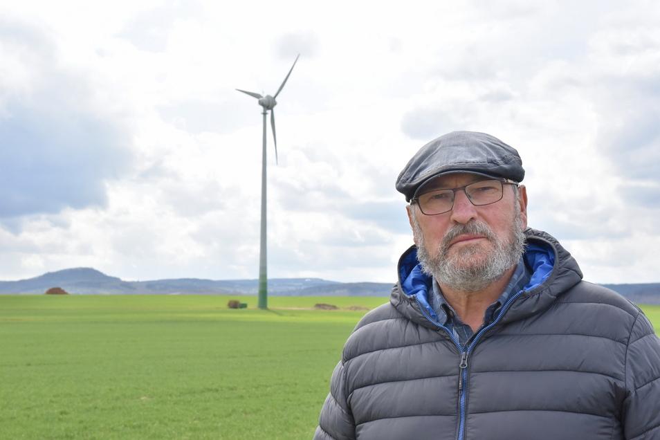 Bernd Grahl kämpft weiter dafür, dass am Rand seines Heimatdorfes keine Riesenwindkrafträder errichtet werden.