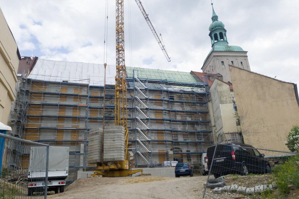 Noch immer laufen an den Bürgerhäusern in der Bautzener Innenstadt Sicherungsarbeiten. Unterdessen gab es zu den Häusern erneut eine Gerichtsentscheidung - zu Ungunsten der Stadt Bautzen.