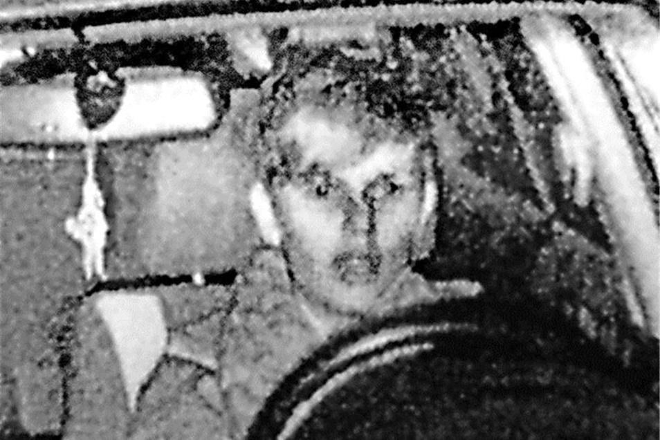 Dieses Erinnerungsfoto erhielt die Striesenerin Gesine Adam, da sie 14 km/h zu schnell fuhr.