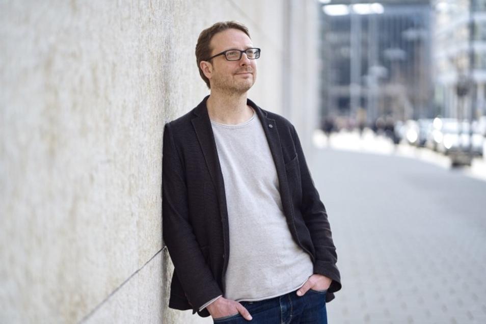 """Der Autor Frank Rudkoffsky recherchiert in den Abgründen der """"neuen Medien""""."""