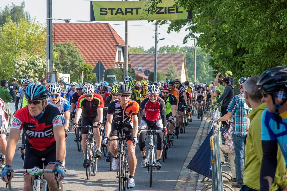 2019 kamen mehr als 800 Teilnehmer, seitdem gibt es keinen Massenstart in Kurort Hartha mehr.