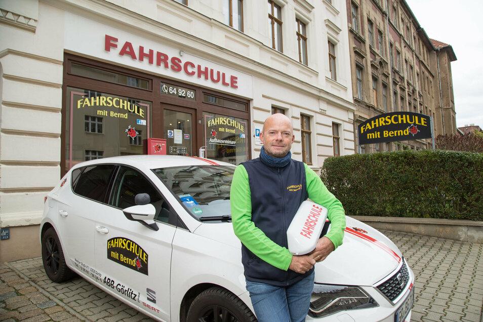 Fahrlehrer Bernd Gritzner sorgt sich, weil es kaum Fahrlehrer-Nachwuchs gibt.
