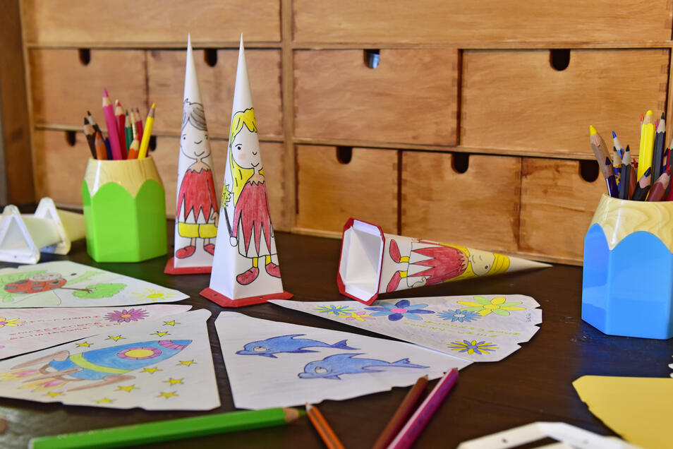 Was auf den Sternzacken zu sehen sein wird, kann nun jeder mit Stift und Fantasie draufzaubern.