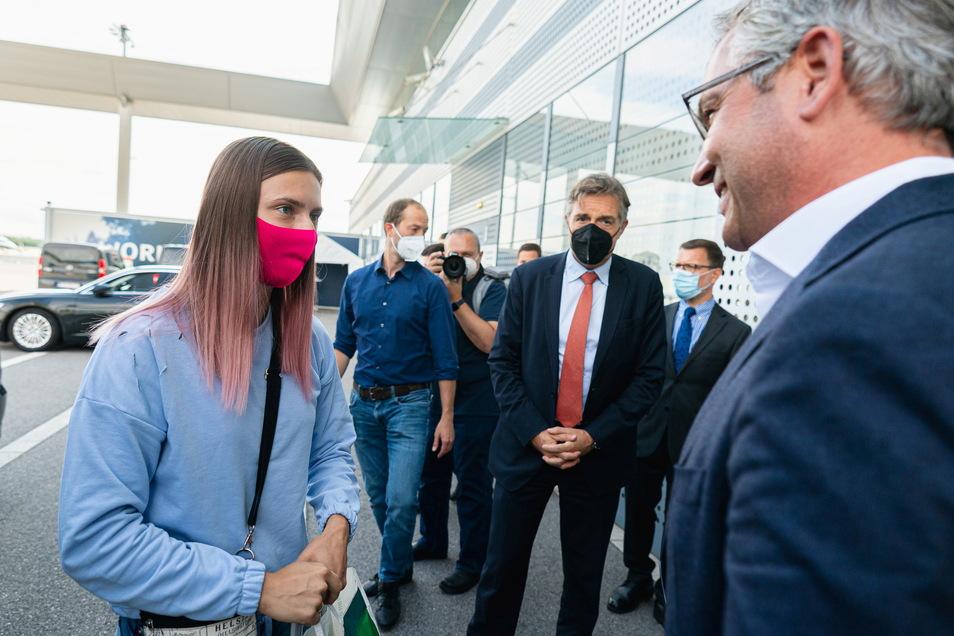 Kristina Timanowskaja ist nach ihrer Flucht vor der eigenen Regierung in Wien angekommen, am Abend soll sie nach Warschau weiterreisen.