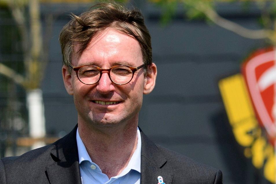 Galant im Auftreten, hart in der Sache: Roland Wöller, hier bei der Eröffnung von Dynamos Trainingszentrum vor ziemlich genau einem Jahr.
