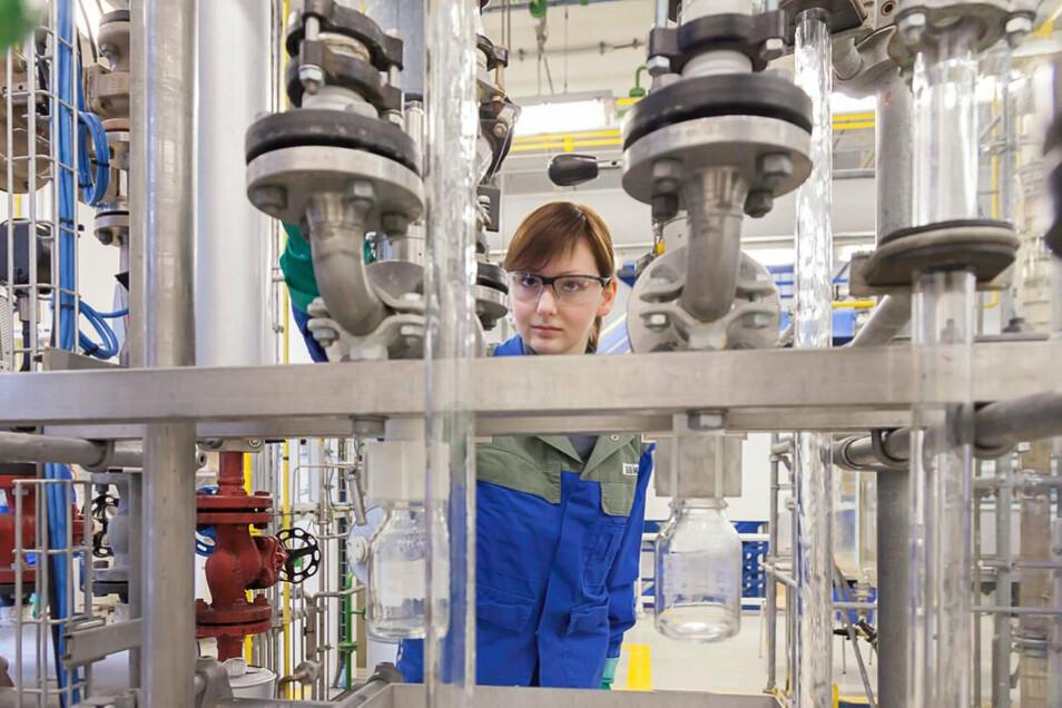 Bei Wacker in Nünchritz erlernen zukünftige Chemikanten einen interessanten und verantwortungsvollen Beruf.