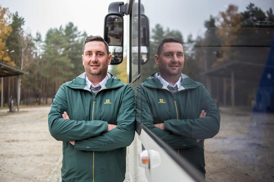 Patrick Schultze ist Inhaber und Geschäftsführer von Schwarz-Reisen und Gemeinderat in Rietschen. Jetzt kandidiert der 36-Jährige für das Amt des Bürgermeisters.