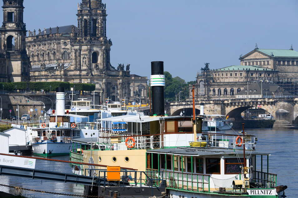 Kein Stillstand: Auch wenn die Dresdner Dampfschiffe noch nicht wieder nach Normal-Fahrplan unterwegs sind - gefahren wird trotzdem.