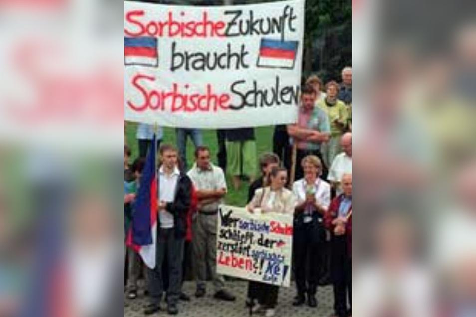 Mit den Protestaktionen gegen die Schulschließung traten die Beteiligten gleichzeitig auch für den Erhalt der sorbischen Kultur ein.