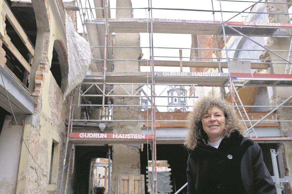 Wo der normale Bürger nur Chaos sieht, sieht Architektin Antje Hainz eine nach Süden ausgerichtete Wohnanlage mit Balkons und Terrassen.