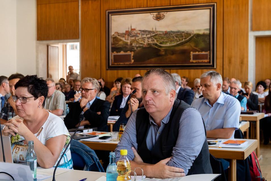 Der Bautzener Stadtrat bei einer Sitzung im vergangenen Jahr. Auch bei der kommenden Beratung tritt er in voller Besatzung zusammen. Das hat jetzt der Ältestenrat beschlossen.
