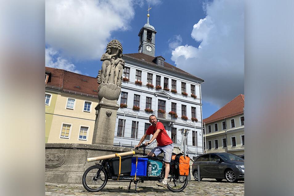 Der niederländische Illustrator Toon Hezemans war mit dem Lastenrad auf Sachsentour.