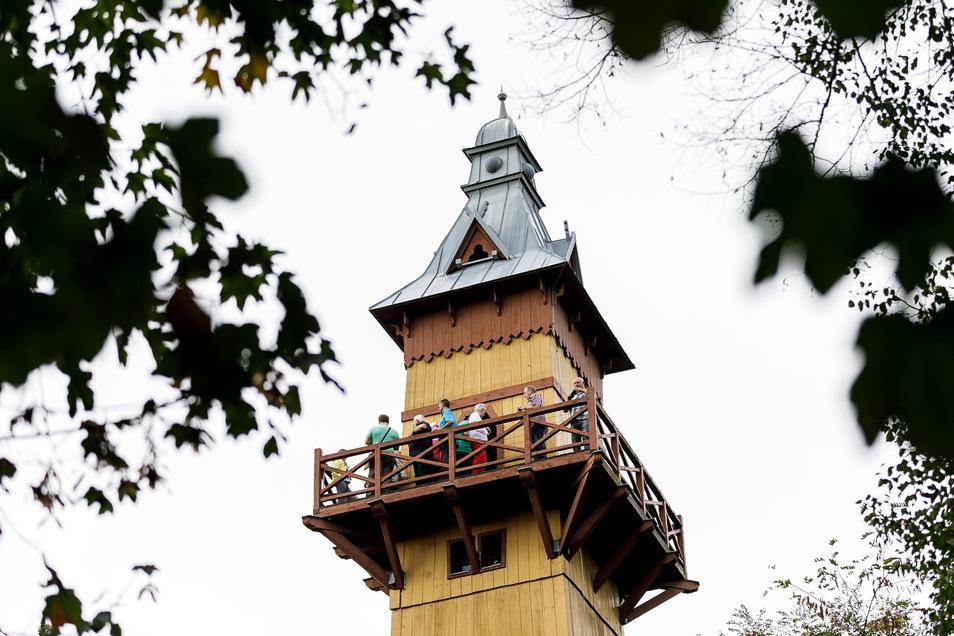 Neben dem Weinberghaus wird auch der Weinbergturm beleuchtet.