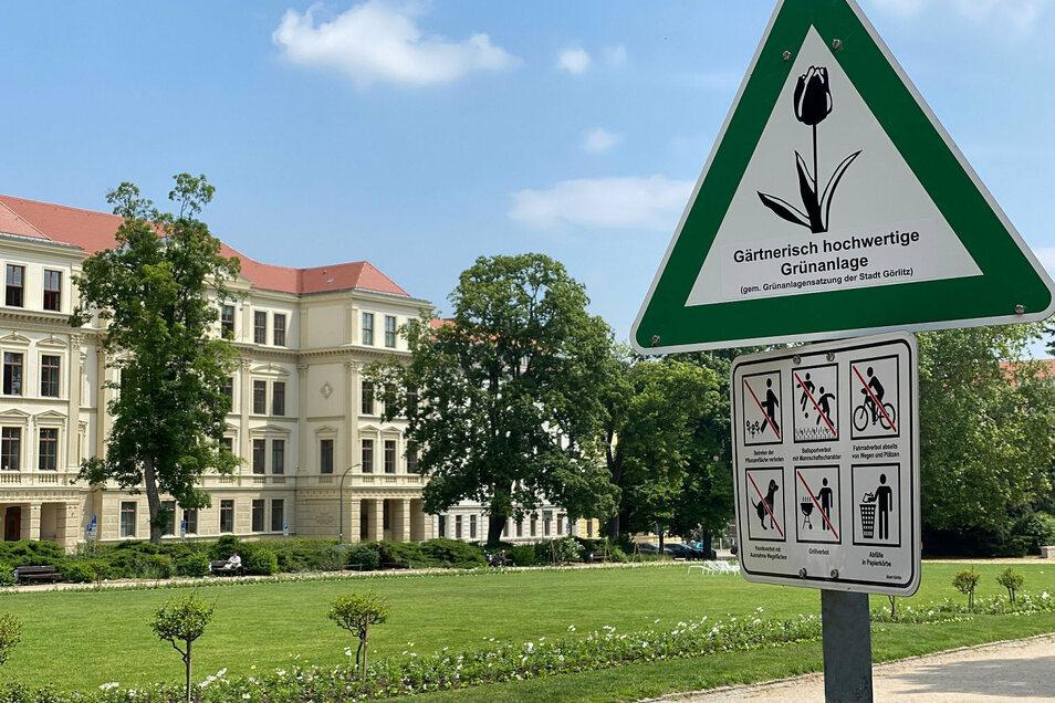 So sind jetzt die Regeln auf dem Wilhelmsplatz.