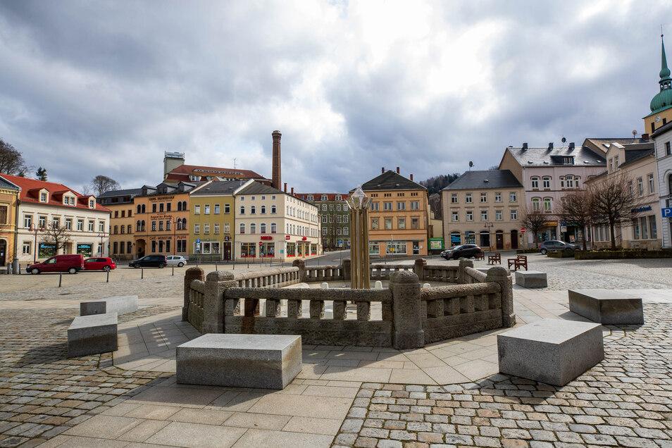 Leerer Marktplatz in Sebnitz: Das öffentliche Leben ist eingeschränkt.