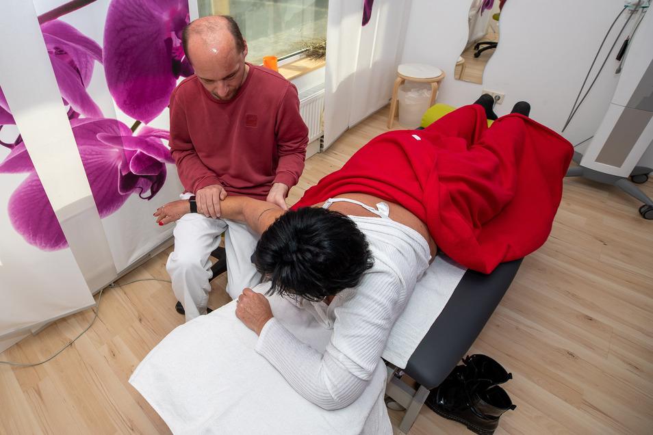 Wer mit Rezept zum Physiotherapeuten kommt, benötigt im Kreis Görlitz keinen Coronatest.