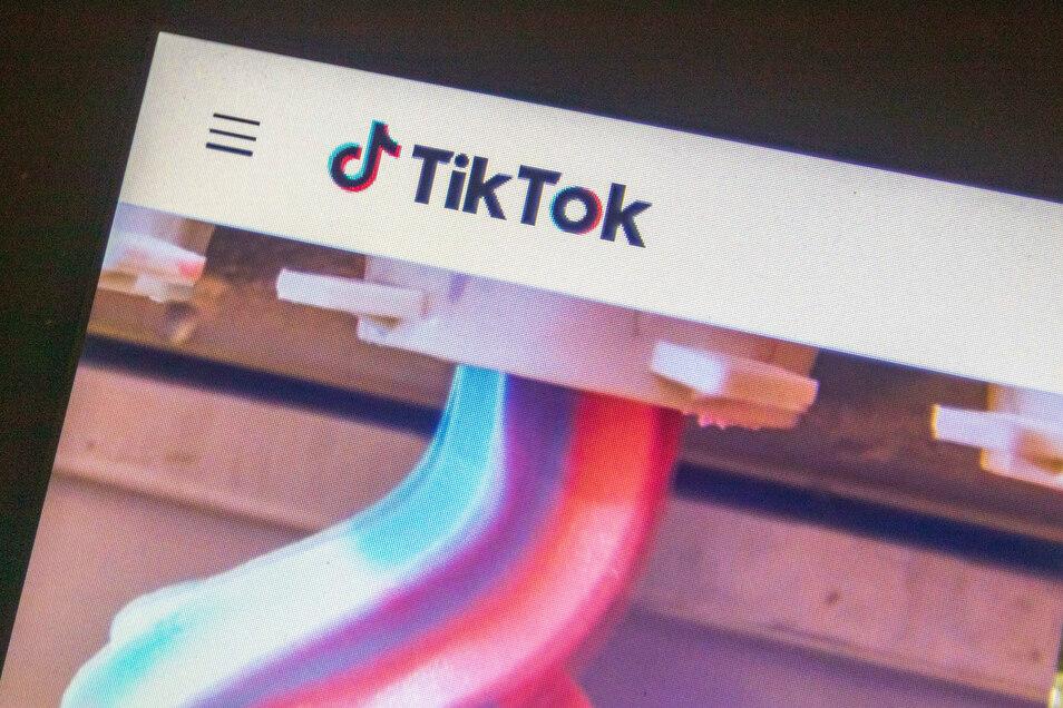 Aus Angst vor dem neuen Gesetz zum Schutz der nationalen Sicherheit in Hongkong zieht sich die populäre internationale Videoplattform TikTok aus der chinesischen Sonderverwaltungsregion zurück.