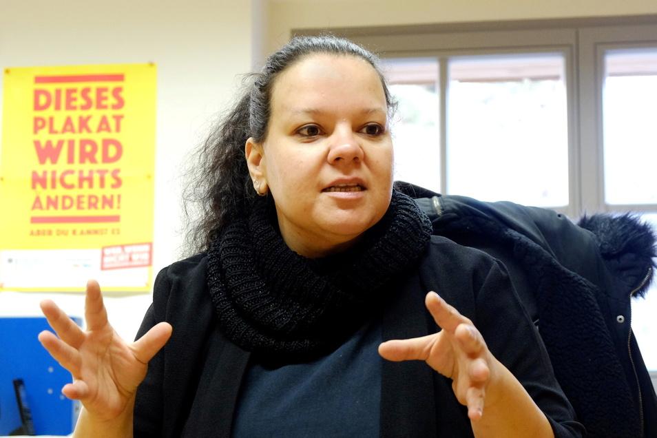 Meißens Oberbürgermeister Olaf Raschke (parteilos) hat jetzt Aliki Reyes, Sozialarbeiterin in Meißen, für ihre fünfjährige Tätigkeit in der Stadt gedankt.