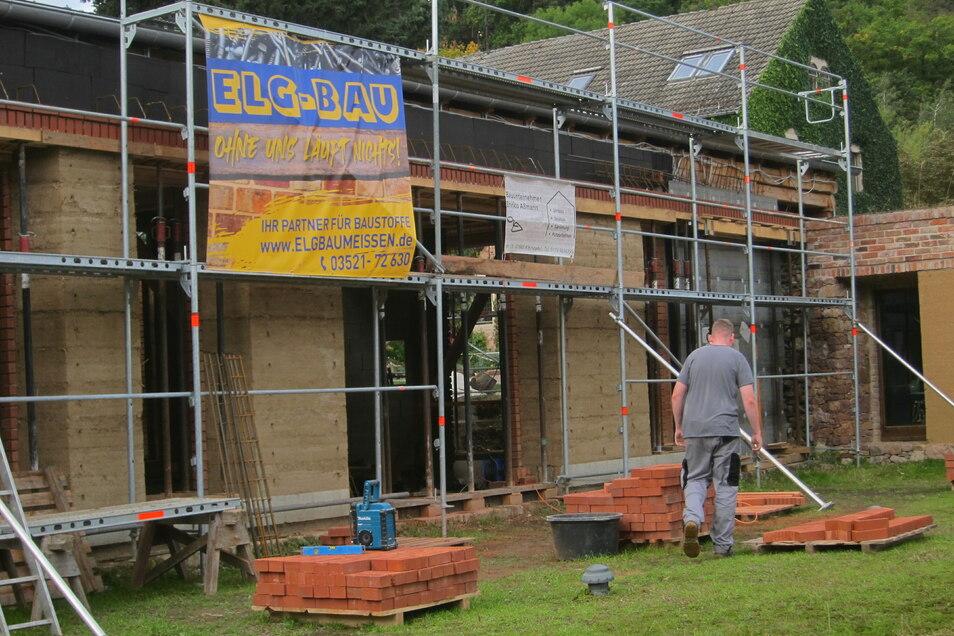 Der Bau des neuen Veranstaltungshauses geht Schritt für Schritt voran.