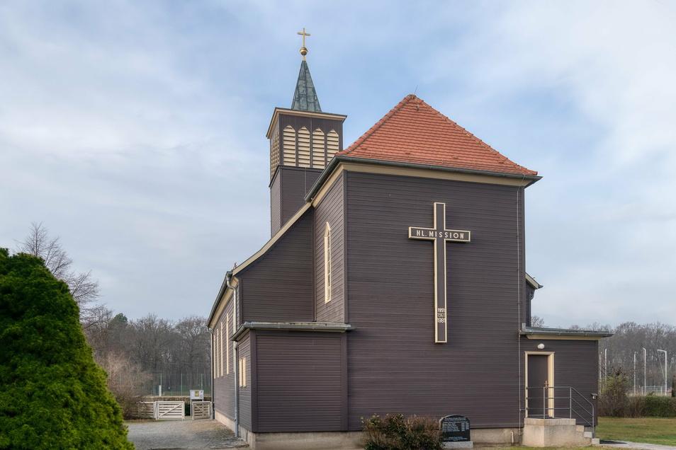 Die katholische St. Josef-Kirche wurde 1935 errichtet.