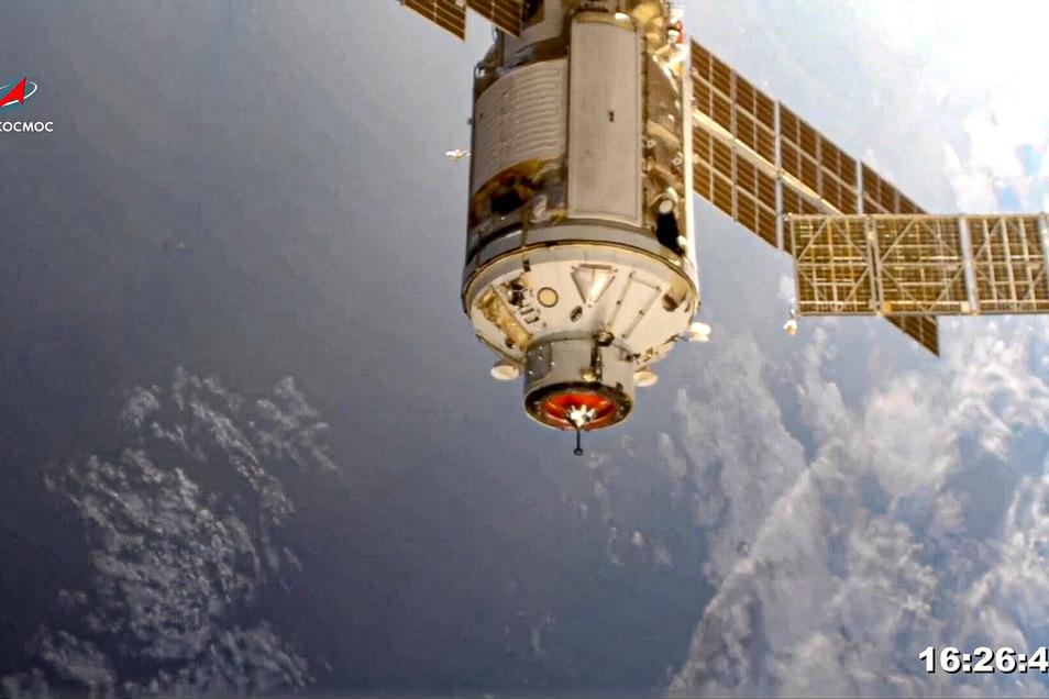 """Das """"Nauka""""-Modul ist unmittelbar vor dem Andocken an die Internationale Raumstation zu sehen."""