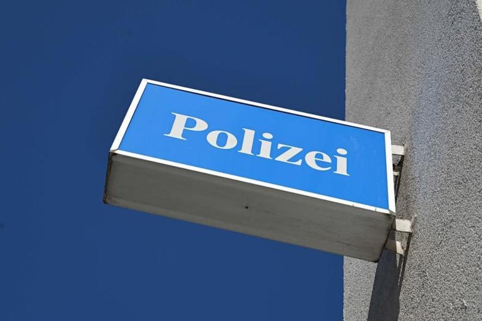 Die Polizei wurde zu einem Granatenfund in Göda gerufen.