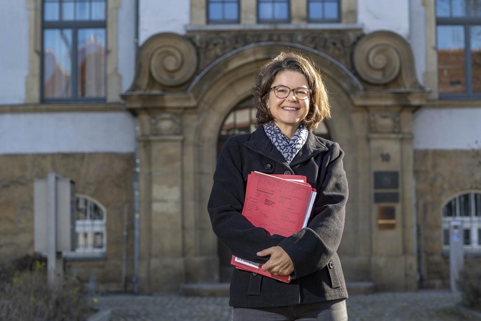 Richterin Ingeborg Schäfer vor dem Amtsgericht in Riesa.