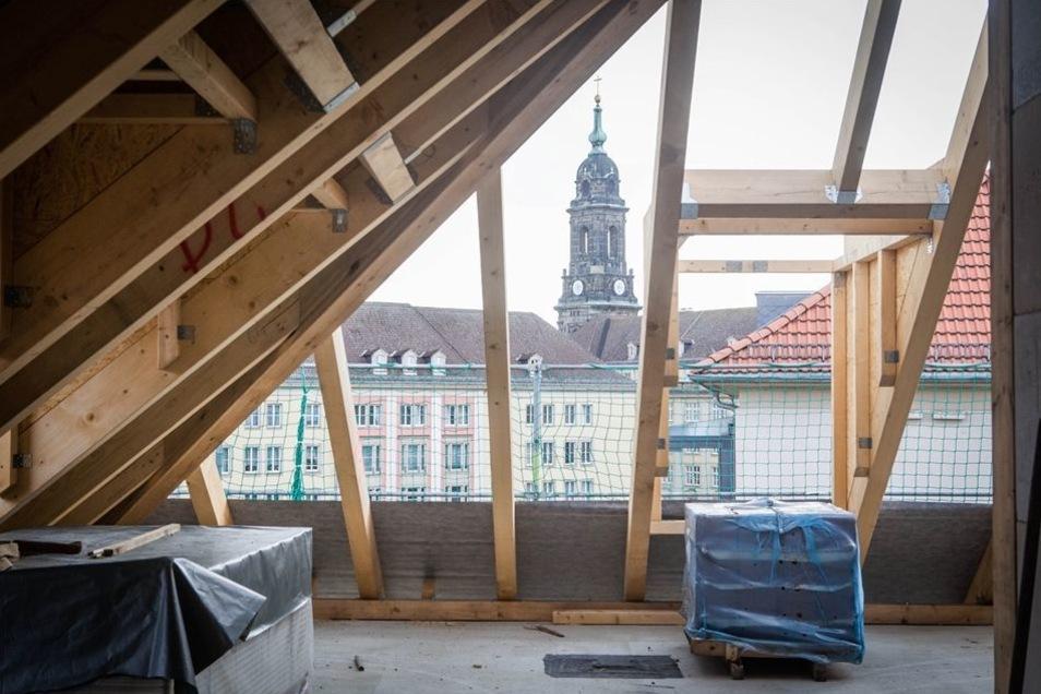 Von den großzügigen Maisonettewohnungen bietet sich ein Blick auf die Kreuzkirche und die Innenstadt.