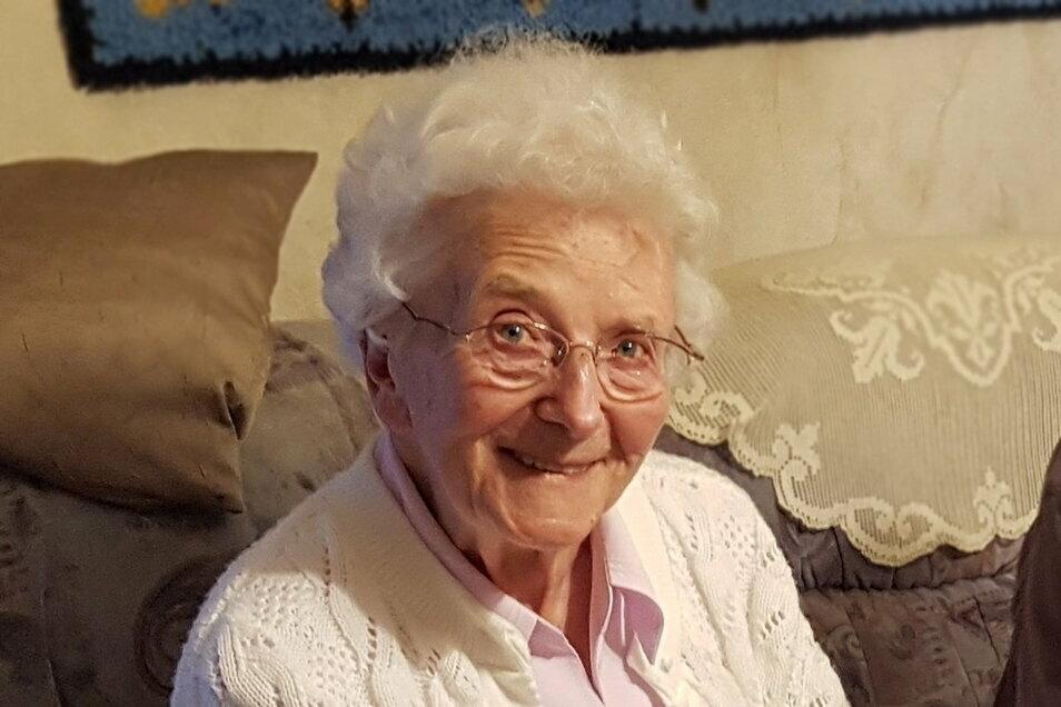 Ursula Frühauf wurde am 15. März 1921 in Görlitz geboren. Jetzt feiert sie ihren 100. Geburtstag.