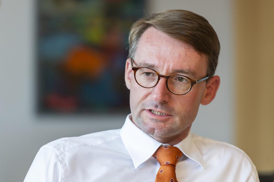 Roland Wöller (49, CDU) ist seit 2017 Innenminister in Sachsen. Der Volkswirt war zuvor Ressortchef für Kultus sowie für Agrar/Umwelt.