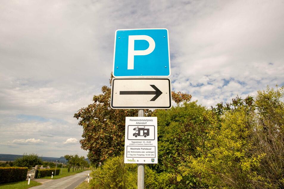 Parkplatz für eine Nacht: Wie hier in Altendorf haben die Kommunen zusätzliche Flächen für Wohnmobile ausgewiesen.